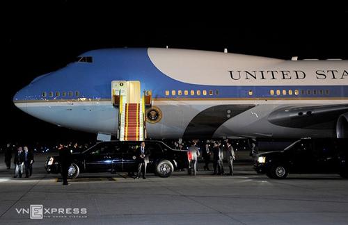 Máy bay chở Tổng thống obama tại Tân Sơn Nhất